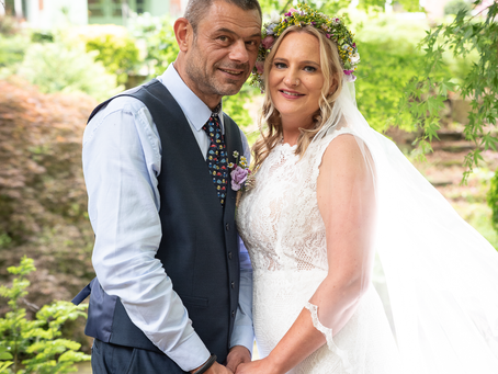 Sally and Phil wedding day at Stanneylands in Wilmslow