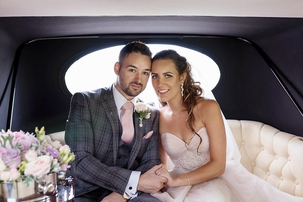 wedding photo in the wedding car