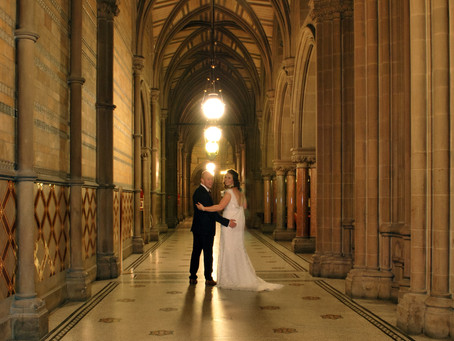 Laura & Mark - Autumn wedding in Manchester Town Hall