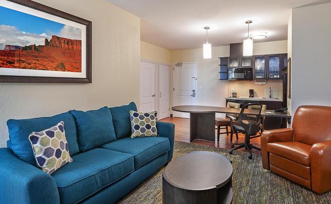 candlewood-suites-houston-6191082594-2x1