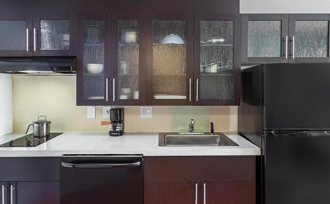candlewood-suites-houston-6191096143-2x1