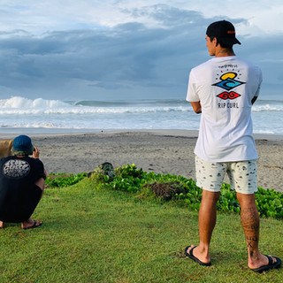 RIP CURL TEAM ON THE SEARCH