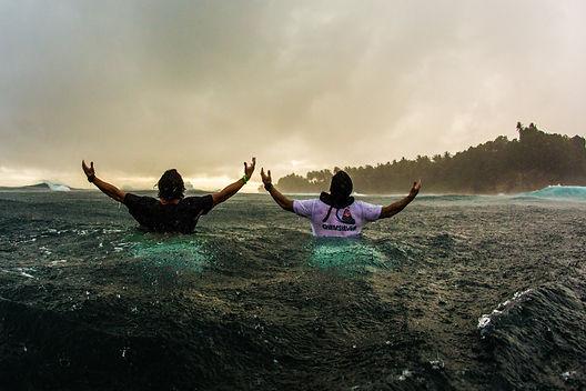 3 SURF.jpg