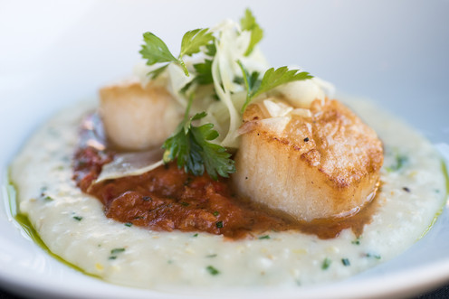 Seared Scallops & Grits