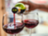 Pouring_red_wine_in_glasses-732x549-thum