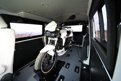 CrossWay - motorka v dodávce