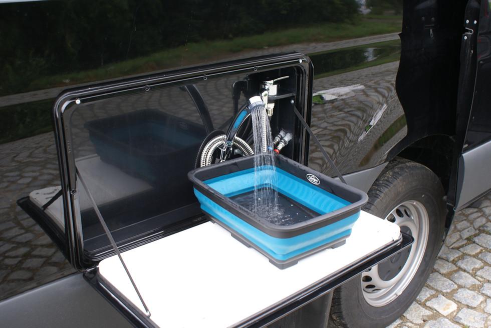 Sportissimo XL - venkovní umyvadlo a sprcha