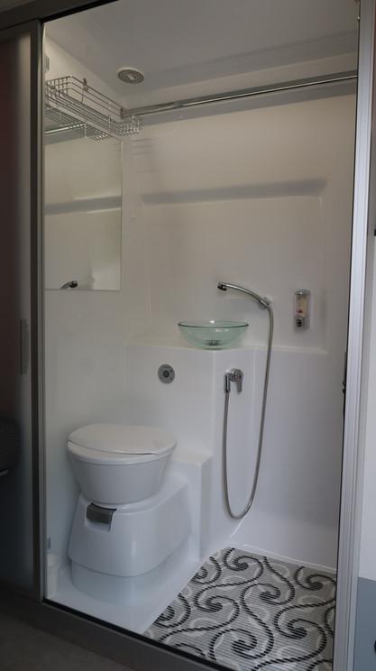 Sportissimo L - koupelna rozšířený vstup