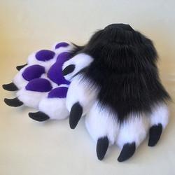 Claws n' Pawz erryday y'all 🐾🐾🐾🐾🤘😎🤘🐾🐾🐾🐾_#furry #furryfandom #fursuit #handpaws #paws