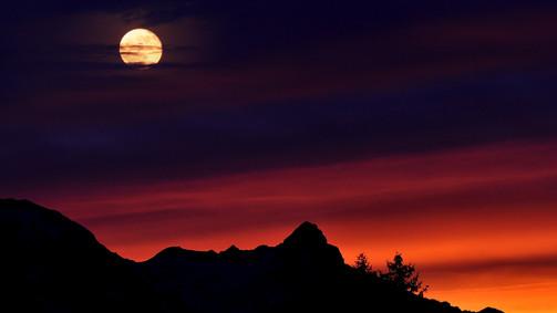 MountainSunset.jpg