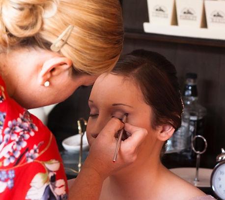 Lizzy Westney applying professional makeup