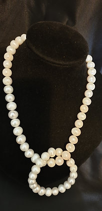 White cultured Pearl Necklace and bracelet