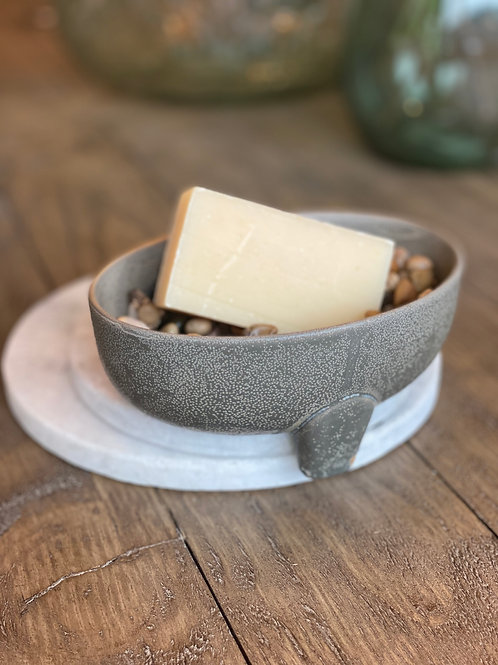 Glazed Soap Dish with Drain Spout (Ingenious!)