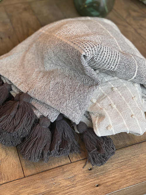 Oversized Cotton Throw with Tassels (60x90)