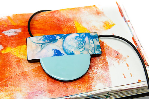 Element Air Abstract Design Necklace