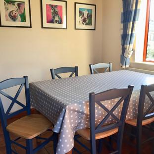 North_dining_table_r.jpg