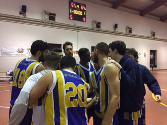 Quinta vittoria consecutiva per le api sermonetane: Tecnorete Algarve 57 - Basket Bee 64