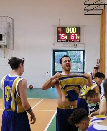 Vittoria per la formazione Senior del Basket Bee Sermoneta all'insegna dei giovani
