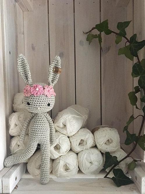 Adorable bébé lapin au crochet, Amigurumi, avec un bandeau de fleurs, cadeau de