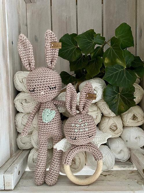 Adorable lapin ANGEL avec ailes, coeur et anneau dentition, amigurumi en coton p