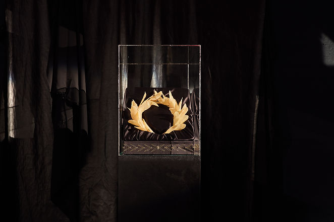 Glaury, 2019, 150x30x30 cm, beeswax, sil