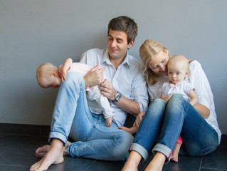 Fotoshoot: our family, just the right mix of chaos & love