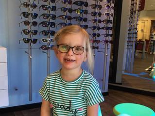 Hoe weet ik of mijn jonge kind goed kan zien?