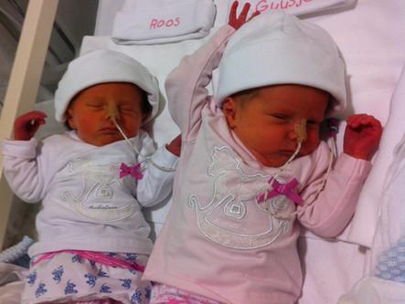 WAT! Ligt de tweeling in twee aparte bedjes?!