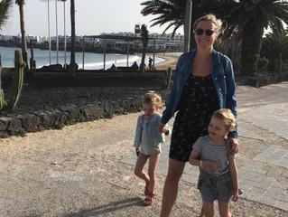 Op vakantie met onze tweeling: 'Graag inclusief antibiotica'