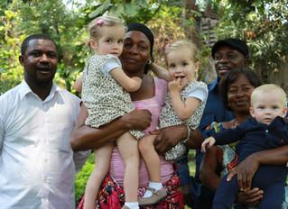 Tweelingmama Nienke in Congo: 'Het is meestal veilig, maar soms even niet.'