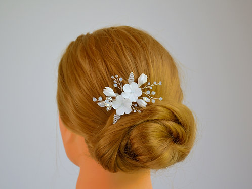 Bijoux tête mariage, peigne mariée fleurs blanches