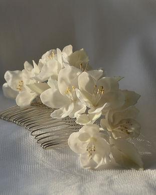 peigne fleurs blanches (3).jpg