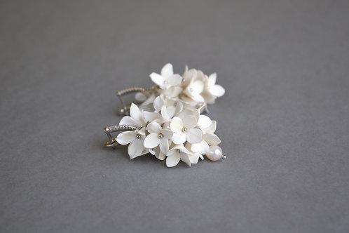 Boucles d'oreilles fleurs blanches, boucles d'oreilles grappe