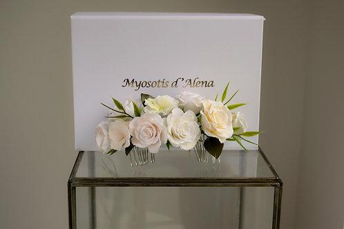 Peigne mariée avec des fleurs