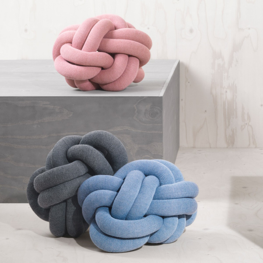 knot-pillow-cushion-ragnheidur-osp-sigurdardottir-design-house-stockholm-designstuff_pink_blue_grey_2.jpg