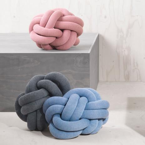 knot-pillow-cushion-ragnheidur-osp-sigurdardottir-design-house-stockholm-designstuff_pink_blue_grey_2.jpg