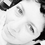 Sheila GS - Ser Estelar - Cidadã do Mundo, nascida na cidade de Petrópolis/RJ onde começou sua jornada de autoconhecimento através das terapias holísticas a 7 anos vem se aprofundando em cursos e vivências.  Seu trabalho atual com grande destaque é a Leitura dos Registros Akashicos ao qual através da canalização de seus próprios Mentores Estelares se tornou uma Facilitadora do Curso Acessando os Registros Akashicos. Método totalmente Estelar, conectando a você aluno na sua Família Estelar e Intraterrena. Sheila GS tem clientes não só no Brasil como no Exterior. Sheila GS já canalizou grandes Mestres Planetários através dos Registros Akashicos.  Abaixo um pouco da formação dela:   -Facilitadora de Shantala  -Reiki Usui Tradicional 3A  Nível 1  Nível 2 Nível 3A Mestre Interior   -Master Teacher in Magnified Healing  -Leitura dos Registros Akashicos  -Danças Circulares para iniciantes  -Curso Resgate de Fractais de Alma   Facilitadora dos encontros Desenvolvendo a Mediunidade com meditação Akasha.  Facilitadora da Vivência Acessando as Memórias Uterinas através da Leitura dos Registros Akashicos.  Participei da vivência Curandeiras de Si me tornando uma Womb Keeper - Guardiã do Útero.