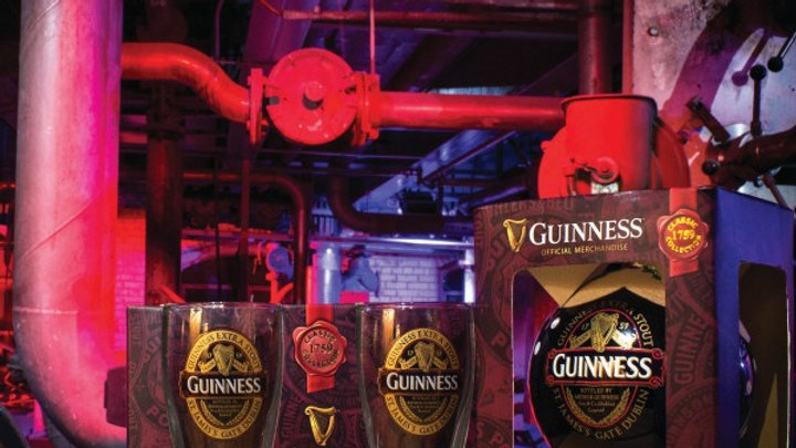 Guinness Classic Label Glass Bauble