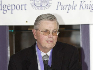 Bruce Webster, the legendary basketball coach at Bridgeport, passes away