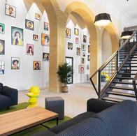 Espace de coworking Nextdoor dans le grand hôtel dieu à Lyon.