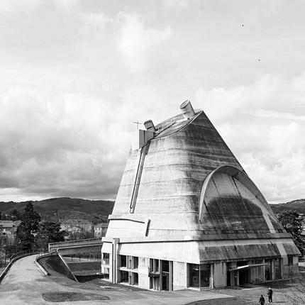 Photographe architecture brutalisme Le Corbusier, Florian Peallat, église de Firminy.