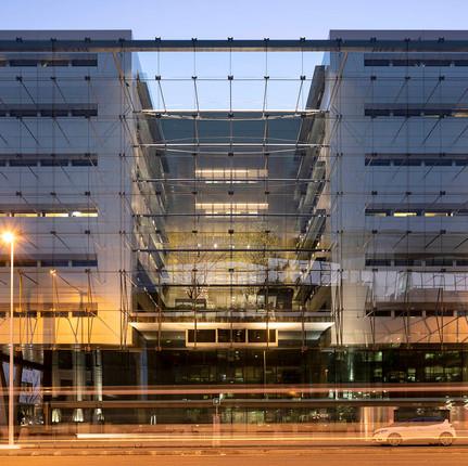 Photographe architecture à Lyon 3 69003, Florian Peallat, photographie de façade de bureaux en Rhône-Aples