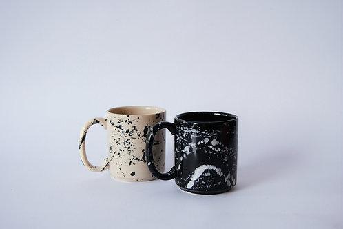 Taza de porcelana japeada