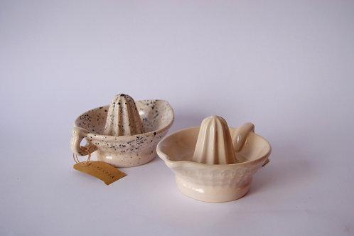 Exprimidor de porcelana