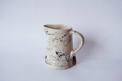 Jarra de porcelana, dos modelos