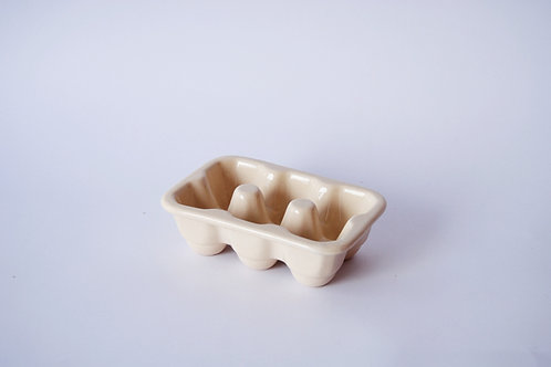 Huevera de porcelana