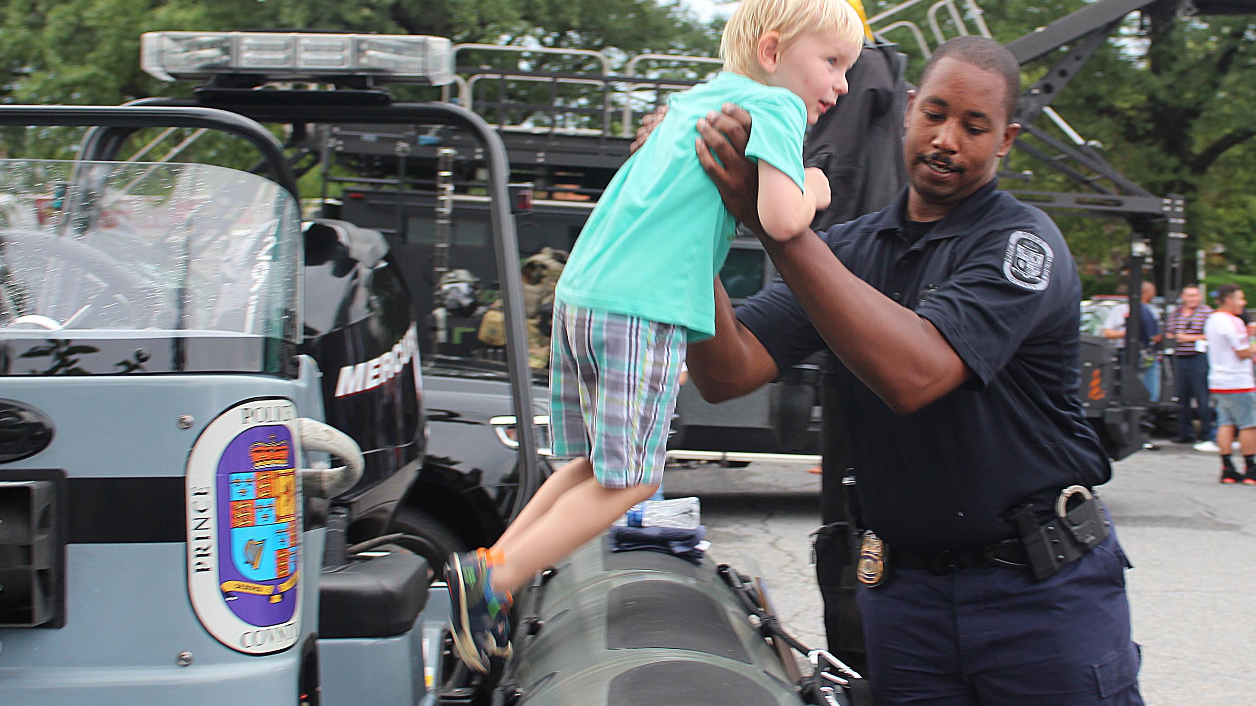 POLICE BOAT 2