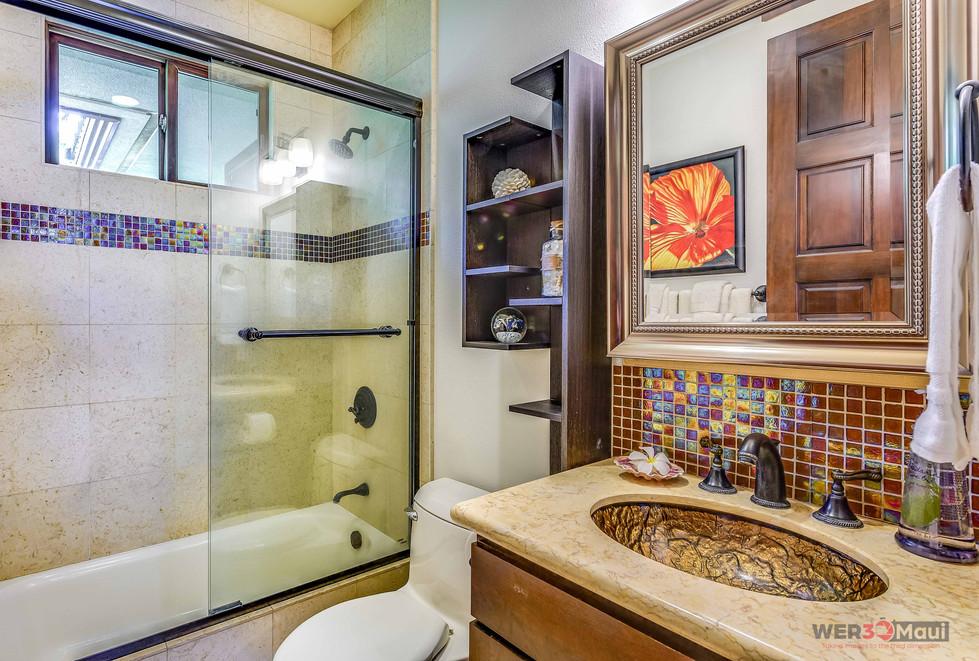 52-Lau-Niu-Way-Bathroom