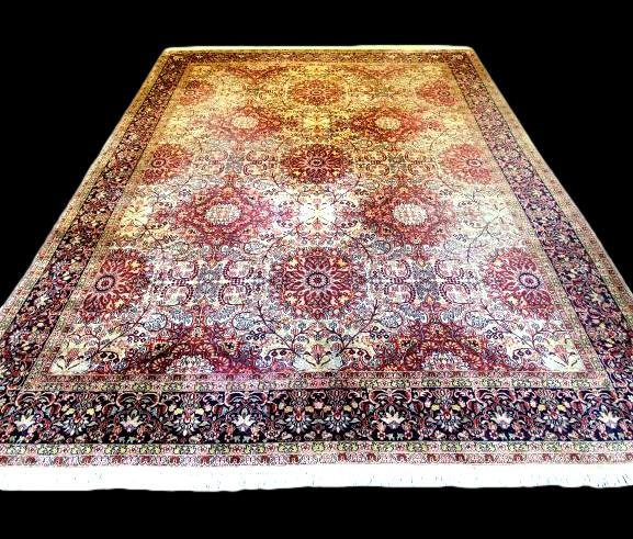 Tapis cachemire en soie, 240 cm x 332 cm, Srinagar, 1970, très bel état