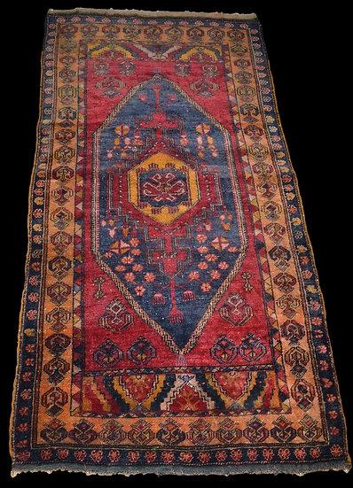 Tapis Yahyahli ancien, Anatolie, Turquie, 100 cm x 193 cm, XIXème Siècle